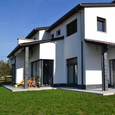 Arhitekturno projektiranje enodružinske hiša Škofije