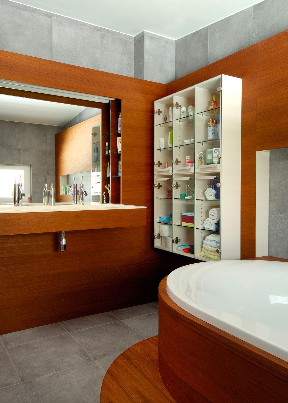 trendovska kopalnica (notranja oprema kopalnice) - izberi eno