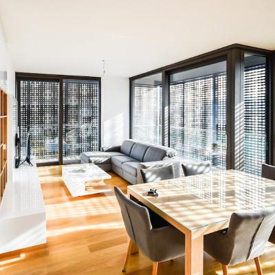 Pohištvo Q. Sodobno pohištvo po meri prostorov in vašega okusa.